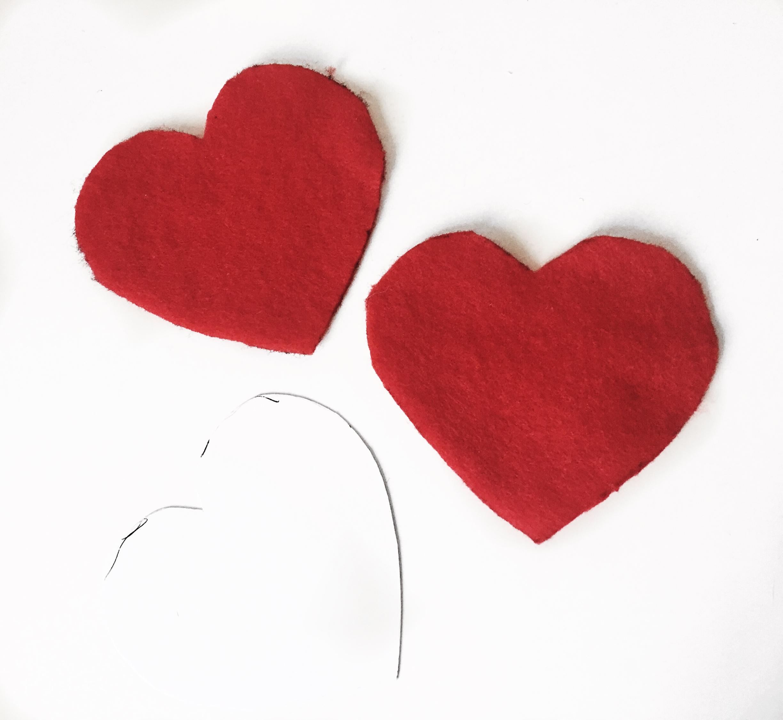 Simple-Felt-Hearts.JPG