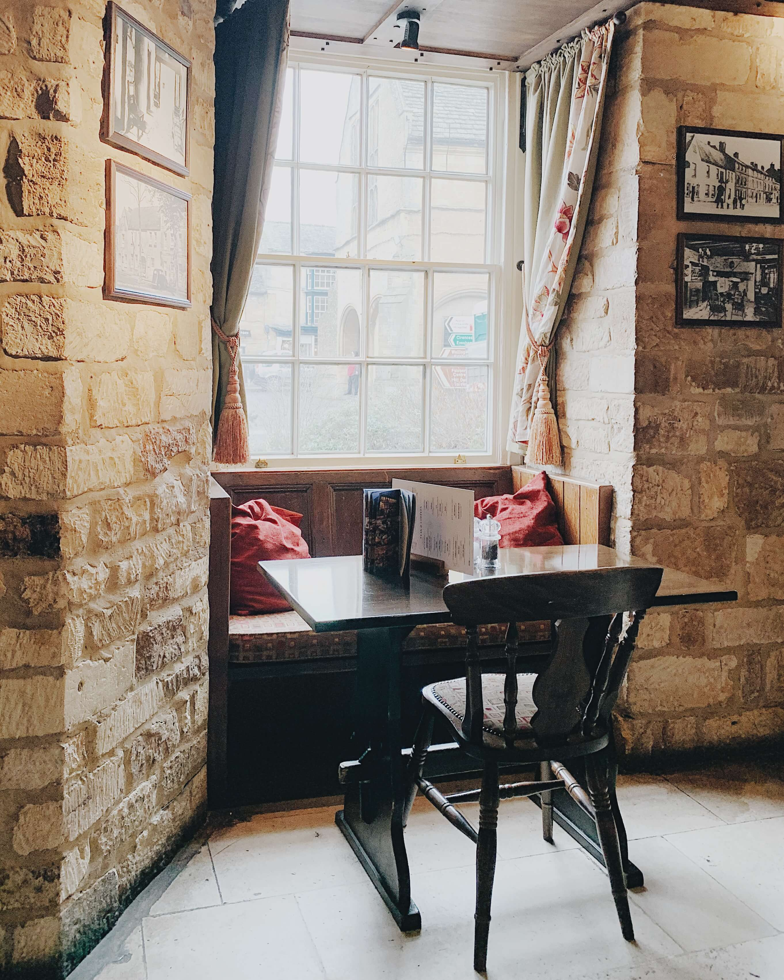 Places-To-Eat-In-Moreton-In-Marsh